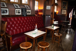 oldest pubs in Cork the oval cork irish pub