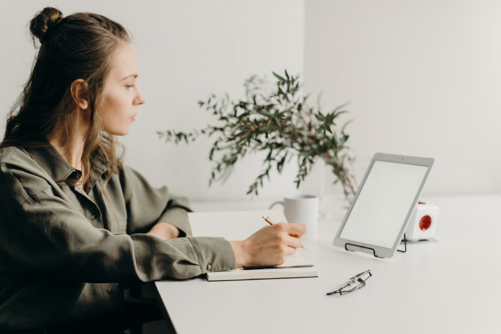 How to create the perfect home office woman working from home